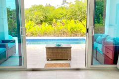 Indoor / Outdoor living with the huge sliding doors to the deck